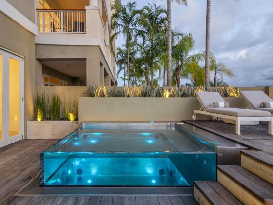 Acrylic Swimming pools